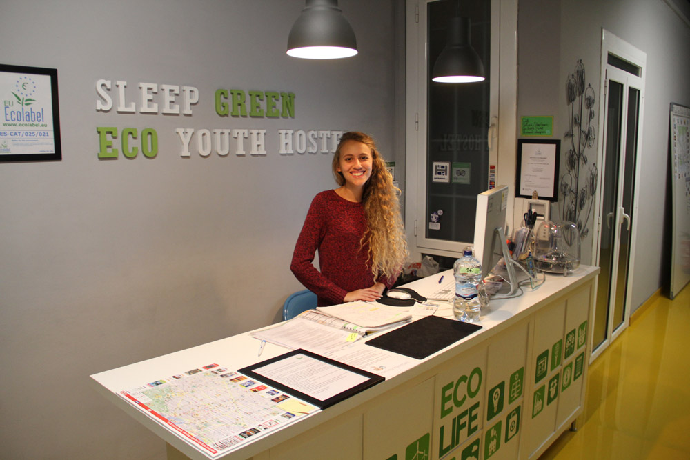 Sleep Green - Certified Eco Youth Hostel Hotel - room photo 8732335